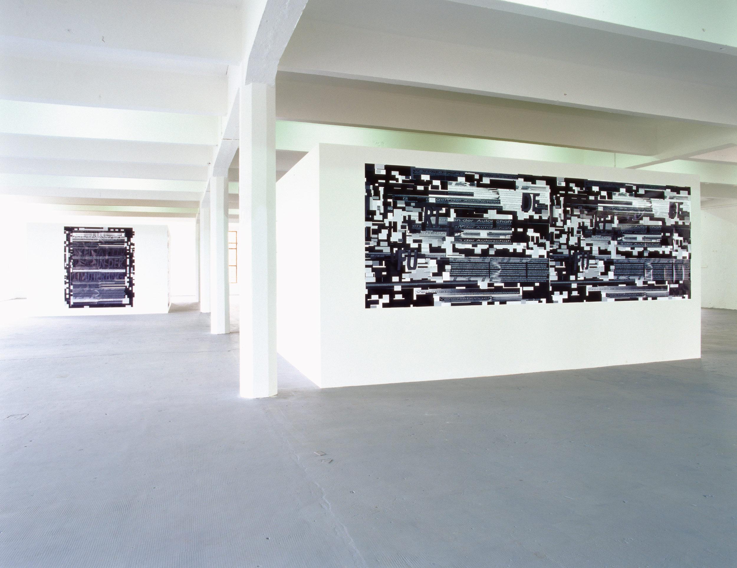 Pre-Prints Pin-up Serie Kunsthalle.tmpSteyr 2001 <br>Links: Herwig Steiner (1956L) Pre-Print 163a PI 1-32 / SW / dt / Pin-up Serie /12 /1999 computergenerierter Print auf Papier 254,9x203cm <br>Rechts: Herwig Steiner (1956L) Pre-Print 180f / I / 178 / SW / dt / engl / span / Pin-up Serie /12 /1999 computergenerierter Print auf Papier 169,5x519,2cm <br>Foto: Ebenhofer